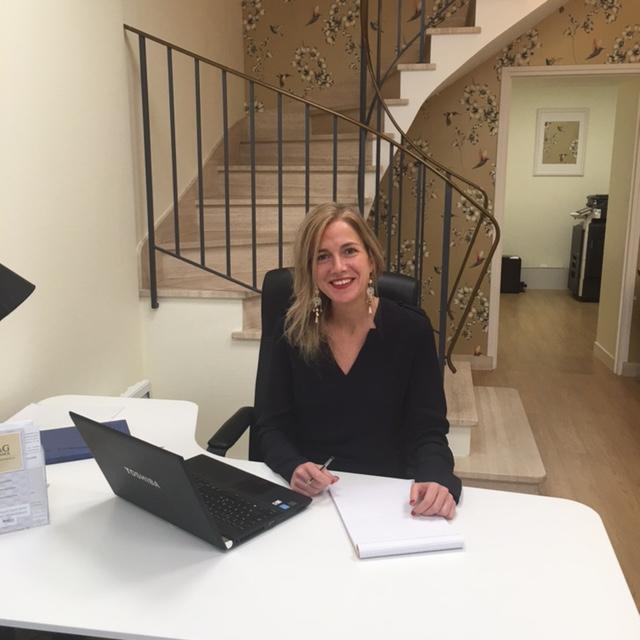 Claire Toulliou, co-gérante de C&G Finance, répond aux questions des investisseurs.